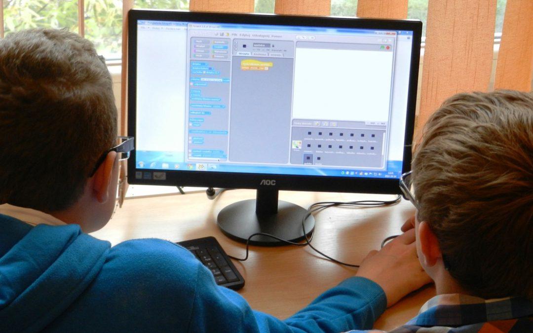 ¿Integramos las TIC en el currículo colombiano?
